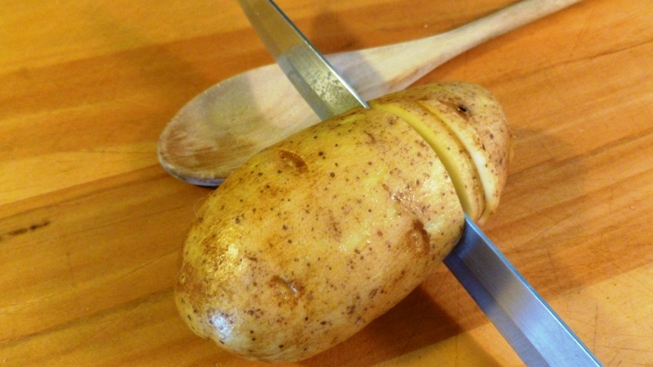 Cutting Potato